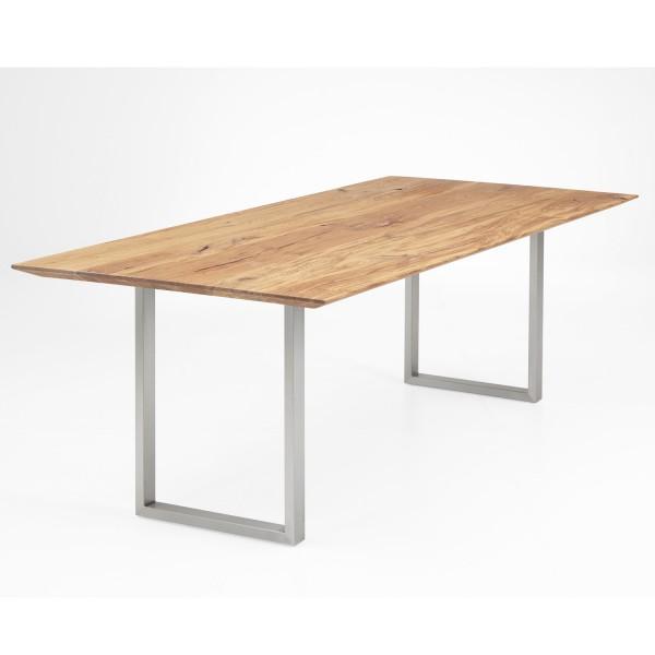 Tisch Travis
